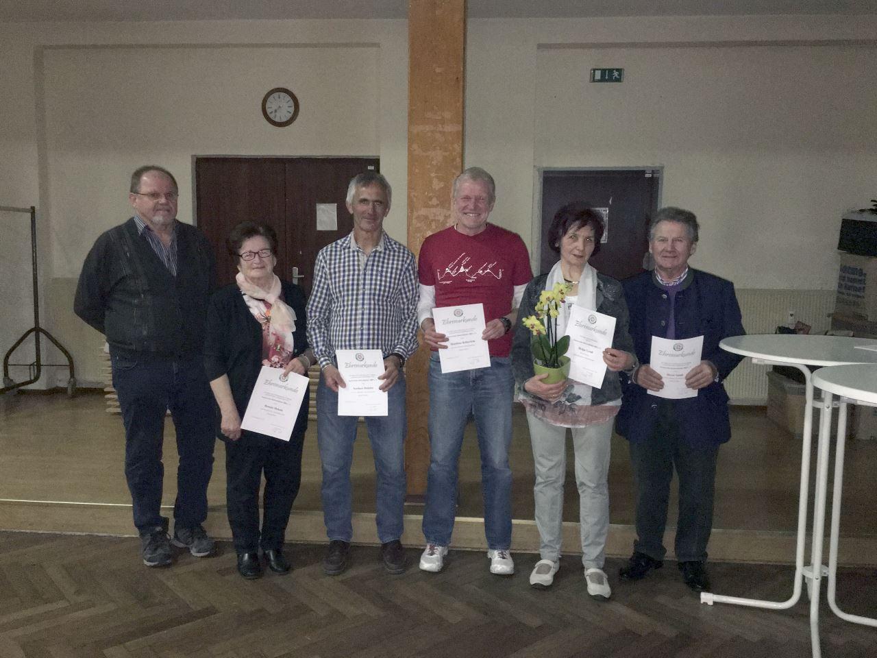 Mitgliederversammlung 2017: Ehrung langjähriger Mitglieder des TV Schweinheim