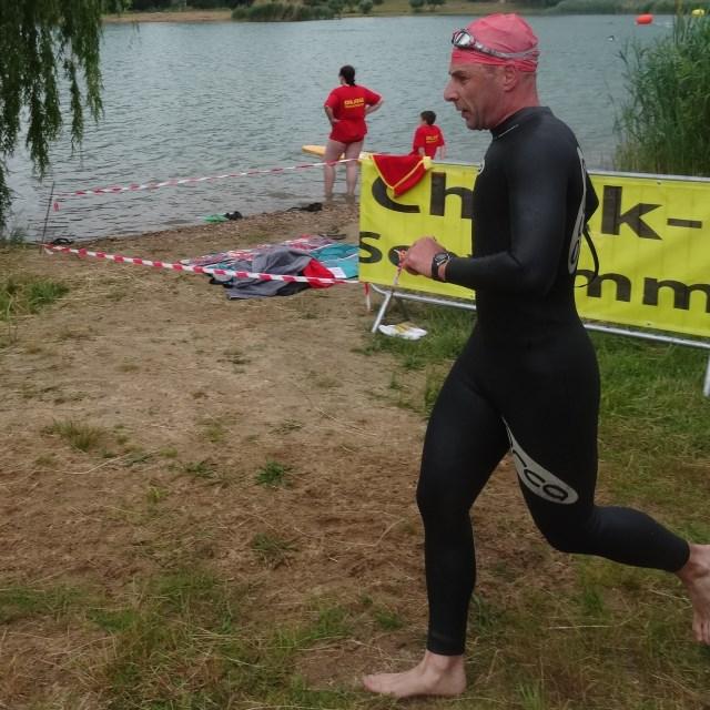 Moret-Triathlon 2015 - TVS Schwimmausstieg Markus