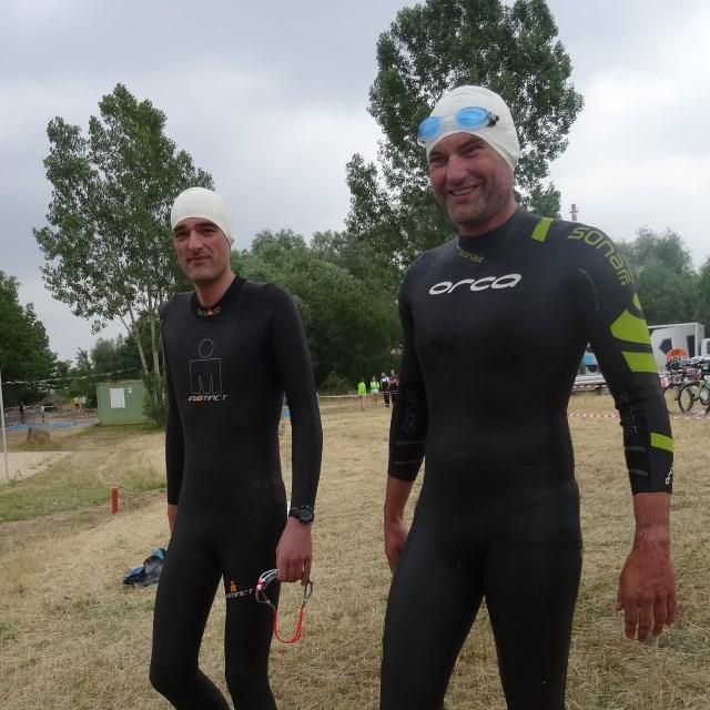 Moret-Triathlon 2015 - TVS Staffelschwimmer Thomas und Matthias