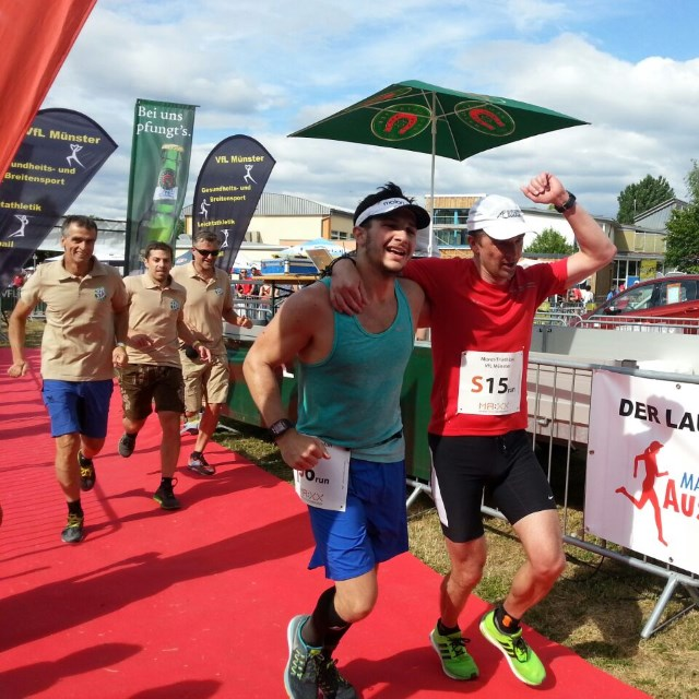 Moret-Triathlon 2015 - TVS Zieleinlauf Staffeln