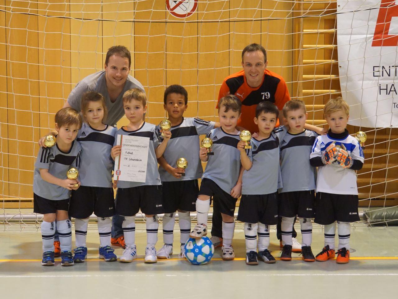 U7/2-Jugend des TV Schweinheim wird Fußball Hallen-Stadtmeister 2017