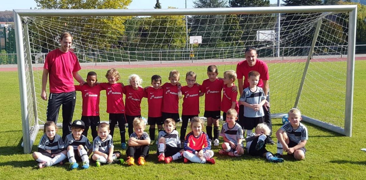 TV Schweinheim Fußball G1 und G2 Bambinis beim Spieltag in Schweinheim