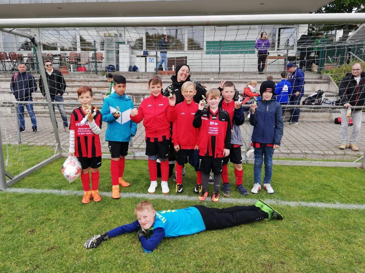 TV Schweinheim Fußball E-Jugend beim Oster-Cup Strietwald